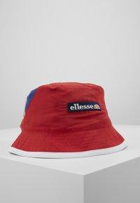 Ellesse - NANDAL - Hatt - red - 2