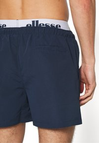 Ellesse - TEYNOR - Shorts da mare - navy/white - 1
