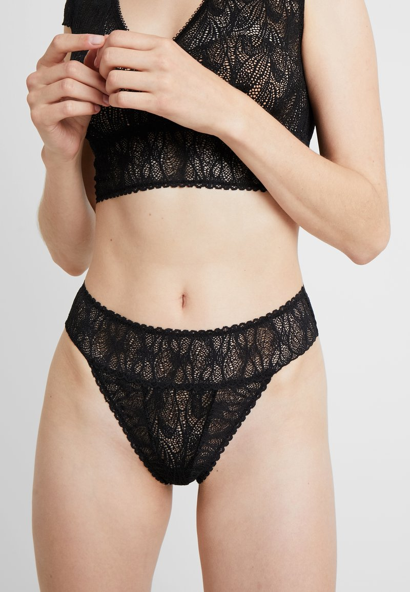 else - KARMA THONG - Stringit - black