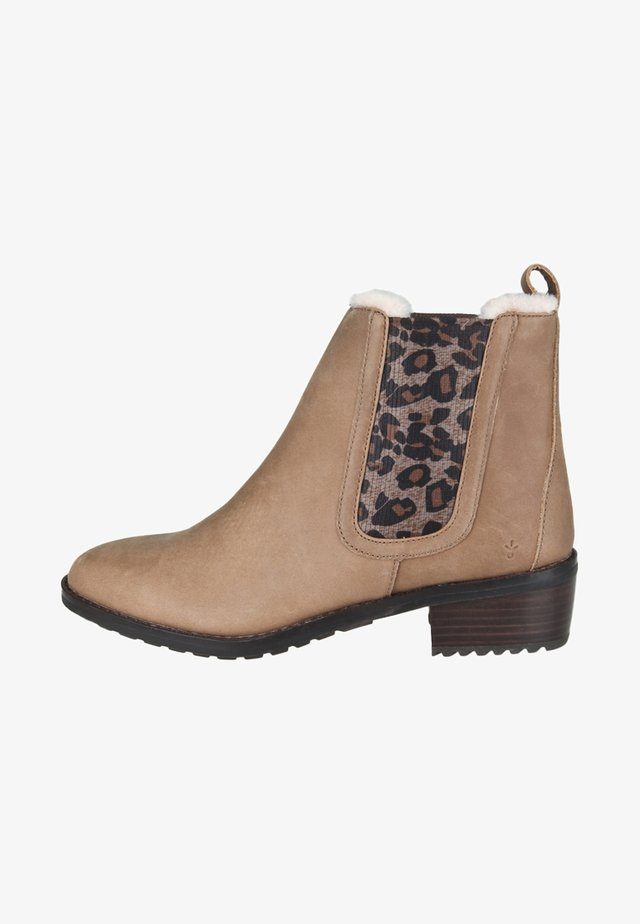 Winter boots - chestnut