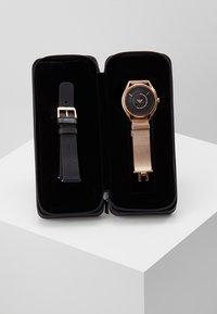 Emporio Armani Connected - Smartwatch - roségold-coloured - 5