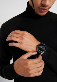 Emporio Armani Connected - Smartwatch - black - 0