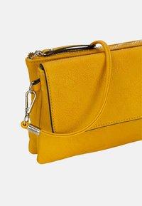 Emily & Noah - EMMA - Across body bag - yellow - 5