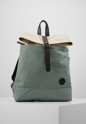 FOLD BACKPACK - Reppu - mineral/natural