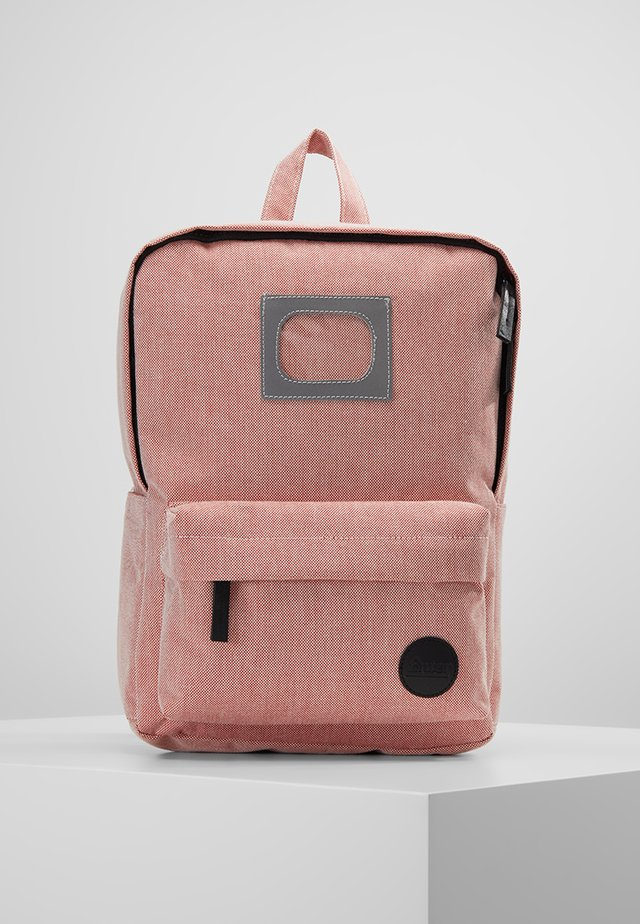 MISSION BACKPACK - Tagesrucksack - melange red