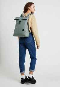 Enter - CITY FOLD TOP BACKPACK - Rygsække - melange mineral - 5