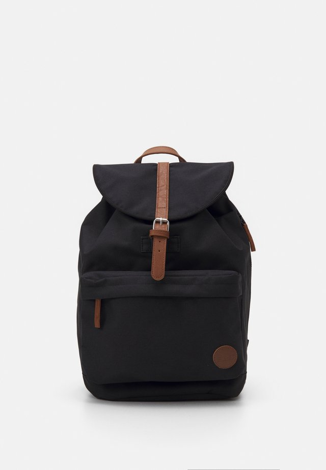 HIKER POCKET BACKPACK - Tagesrucksack - black