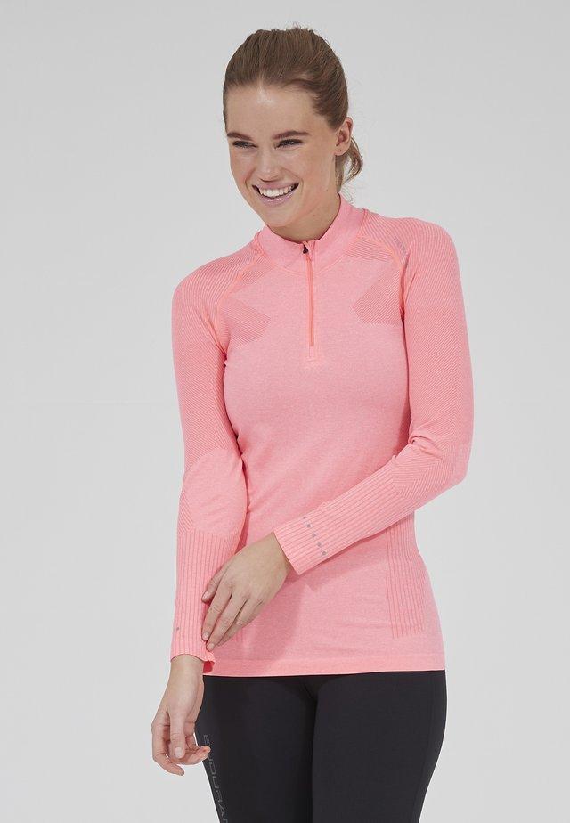 Langarmshirt - 4073 pitaya pink