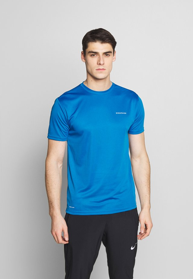 VERNON PERFORMANCE TEE - Basic T-shirt - imperial blue