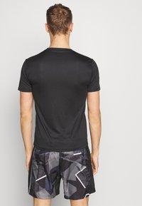 Endurance - VERNON PERFORMANCE TEE - T-shirt basic - black - 2