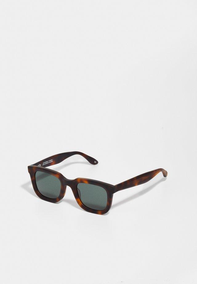 Sonnenbrille - bark matte/green