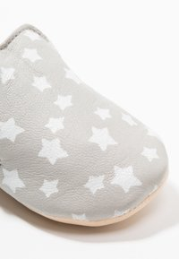 Easy Peasy - BLUMOO NUIT - Chaussons pour bébé - plume/blance - 2