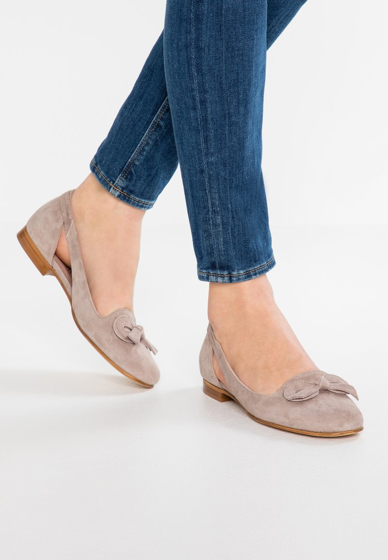 Erika Rocchi - Loafers - sand