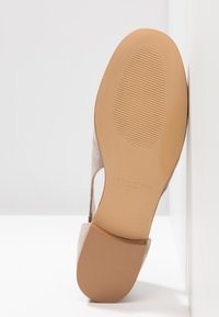 Erika Rocchi - Loafers - sand - 6