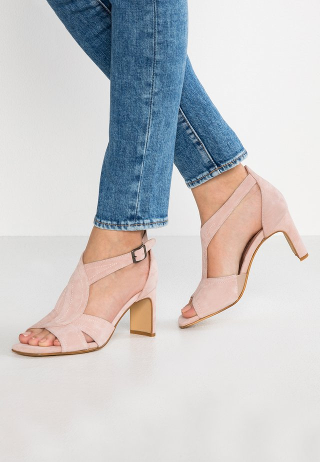 Sandały - skin