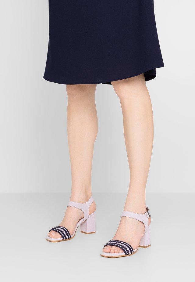 Sandały - lavanda