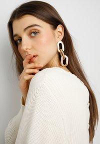ERASE - CHAIN DROPS - Boucles d'oreilles - gold-coloured - 1