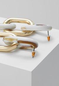 ERASE - CHAIN DROPS - Boucles d'oreilles - gold-coloured - 2