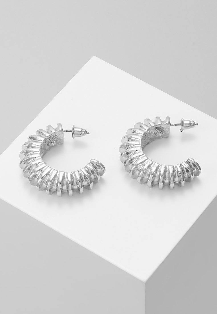 ERASE - DOMED TEXTURED HOOP - Earrings - silver-coloured