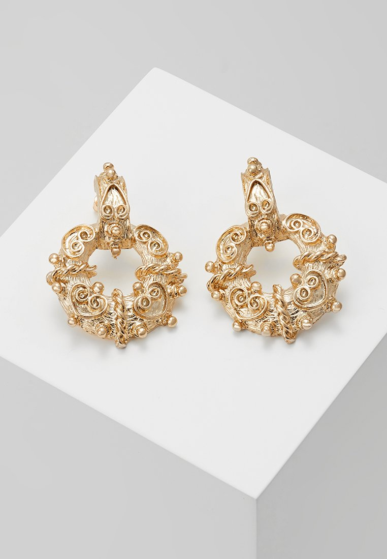 ERASE - BAROQUE DOOR KNOCKER STUDS - Náušnice - gold-coloured