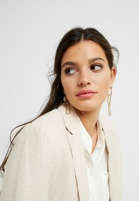 ERASE - SQUARE LINK  - Earrings - gold-coloured - 1