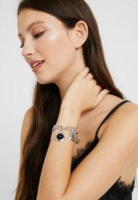 ERASE - SHELL CHARM BRACELET - Bracelet - silver-coloured - 1