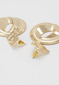 ERASE - ORGANIC CIRCLE DROP - Oorbellen - gold-coloured - 2