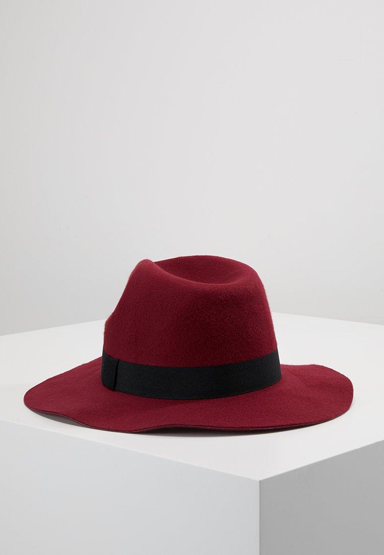 ERASE - BURG FEDORA - Hat - red