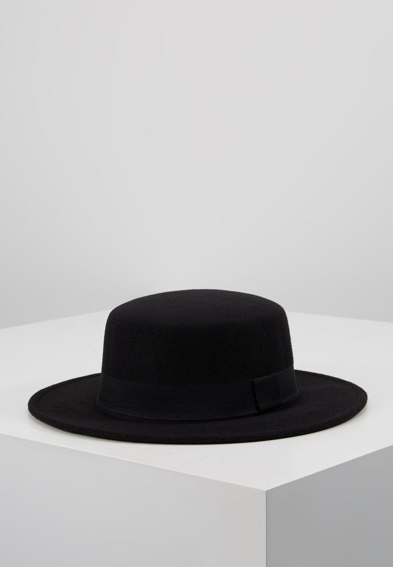 ERASE - PORK PIE HAT WITH TRIM - Hattu - black