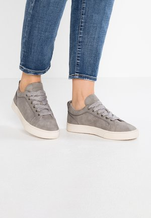 CHERRY LU VEGAN - Sneakersy niskie - grey