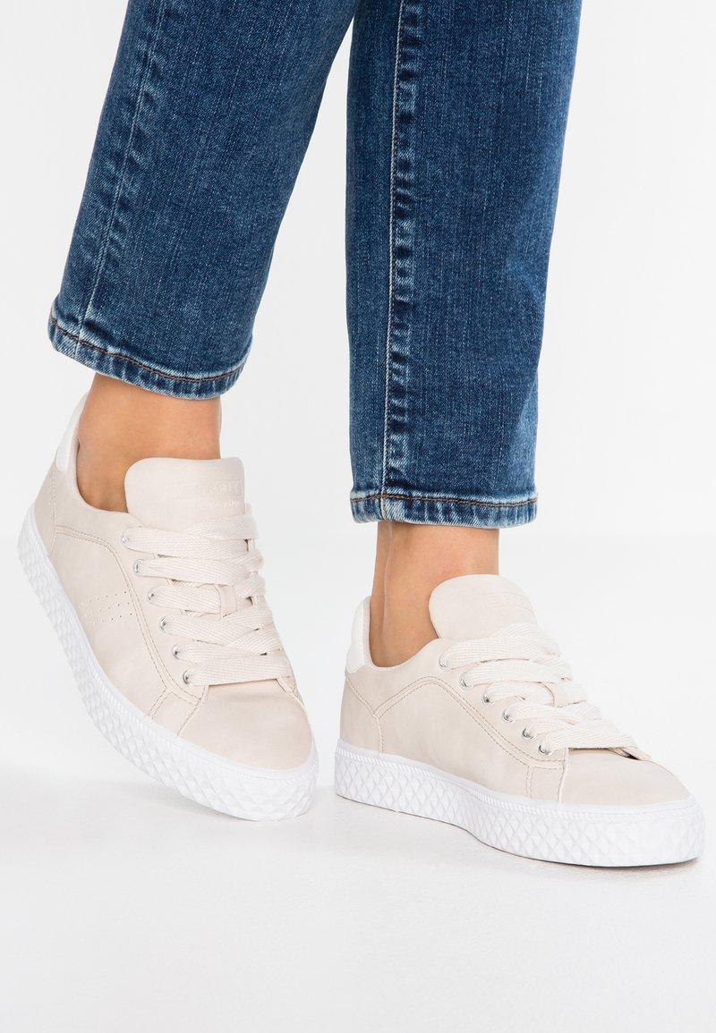 Esprit - INDYA LU VEGAN - Sneakers laag - ice