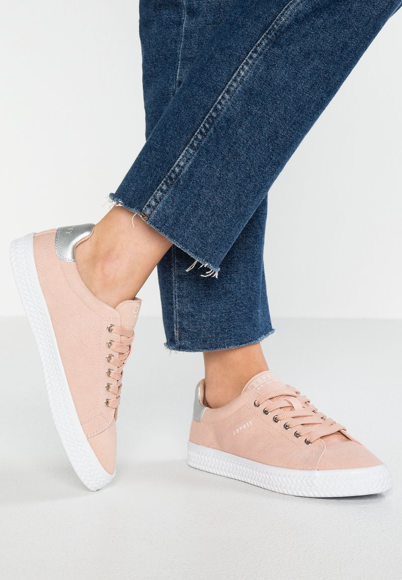 Esprit - NETTA VEGAN - Sneakers - dark old pink