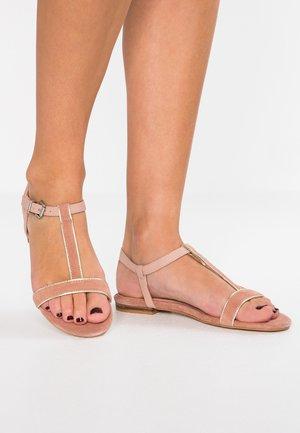 CHERIE T-STRAP - Sandaler - dusty nude