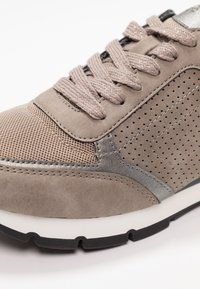 Esprit - BLANCHET VEGAN - Trainers - brown/grey - 2