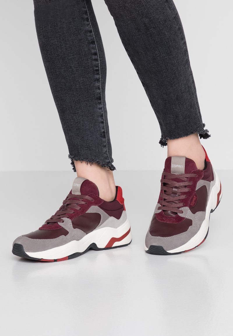 Esprit - JANA FALL  - Sneakers basse - bordeaux red