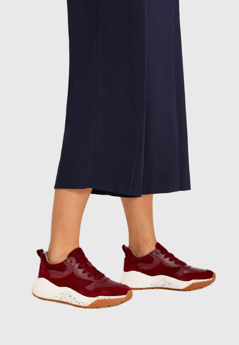 Esprit - MIT OVERSIZED SOHLE - Sneakers - bordeaux red