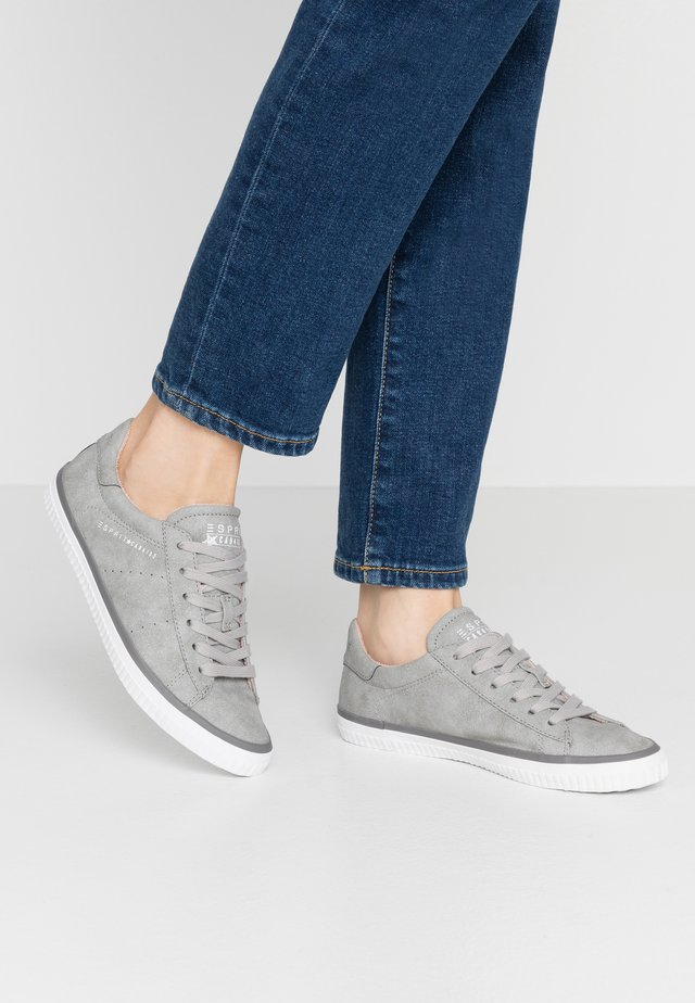 RIATA LACE UP - Sneakers laag - light grey