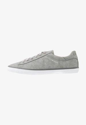 RIATA LACE UP - Zapatillas - light grey