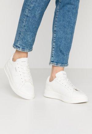 MICHELLE - Tenisky - white