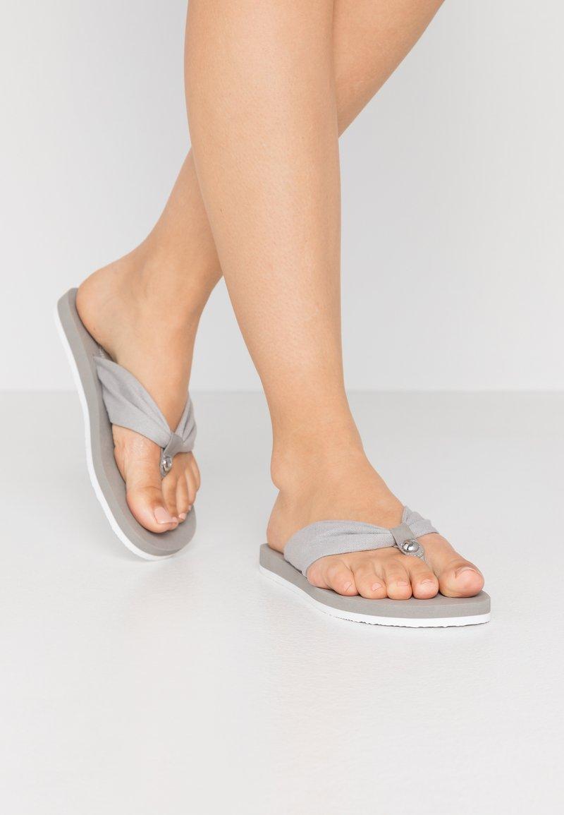 Esprit - DENISE STUD - Infradito - medium grey
