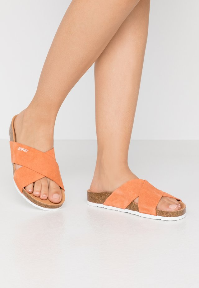 MOLLY  - Pantolette flach - rust orange