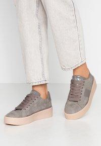 Esprit - CREPE VERN - Sneaker low - grey - 0