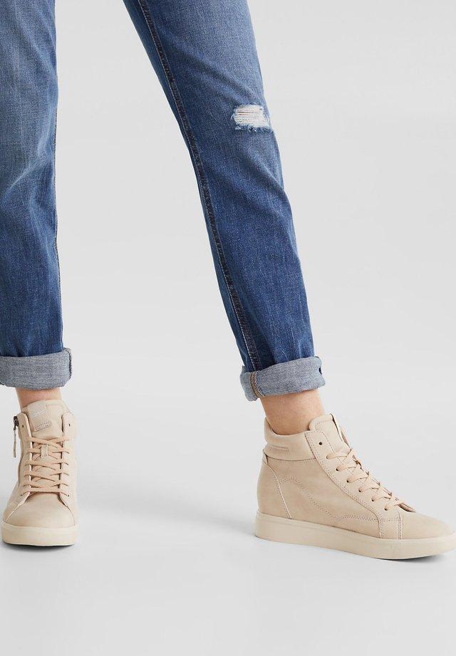 WEDGE-SNEAKER IN NUBUK-OPTIK - Sneakers hoog - skin beige