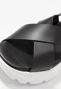 Esprit - HUNKY  - Sandalias con plataforma - black - 2