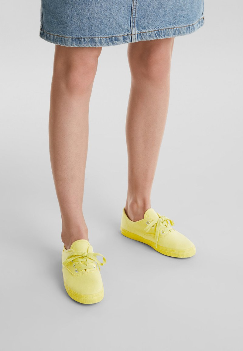 Esprit - Sneaker low - bright yellow