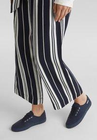 Esprit - Sneakers laag - navy - 0