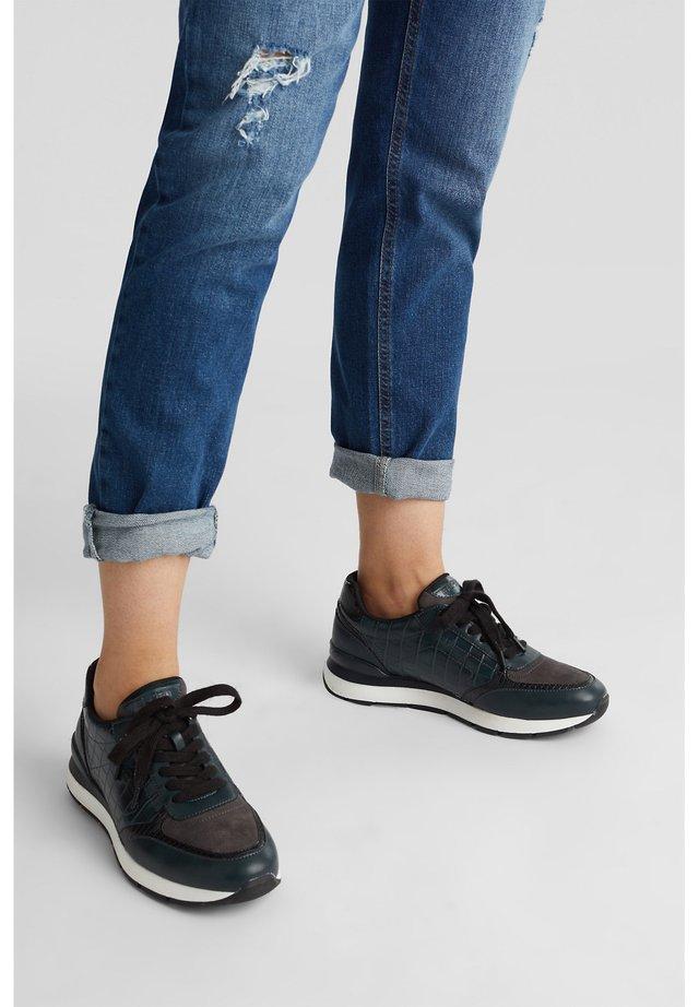 Sneakers - dark teal green