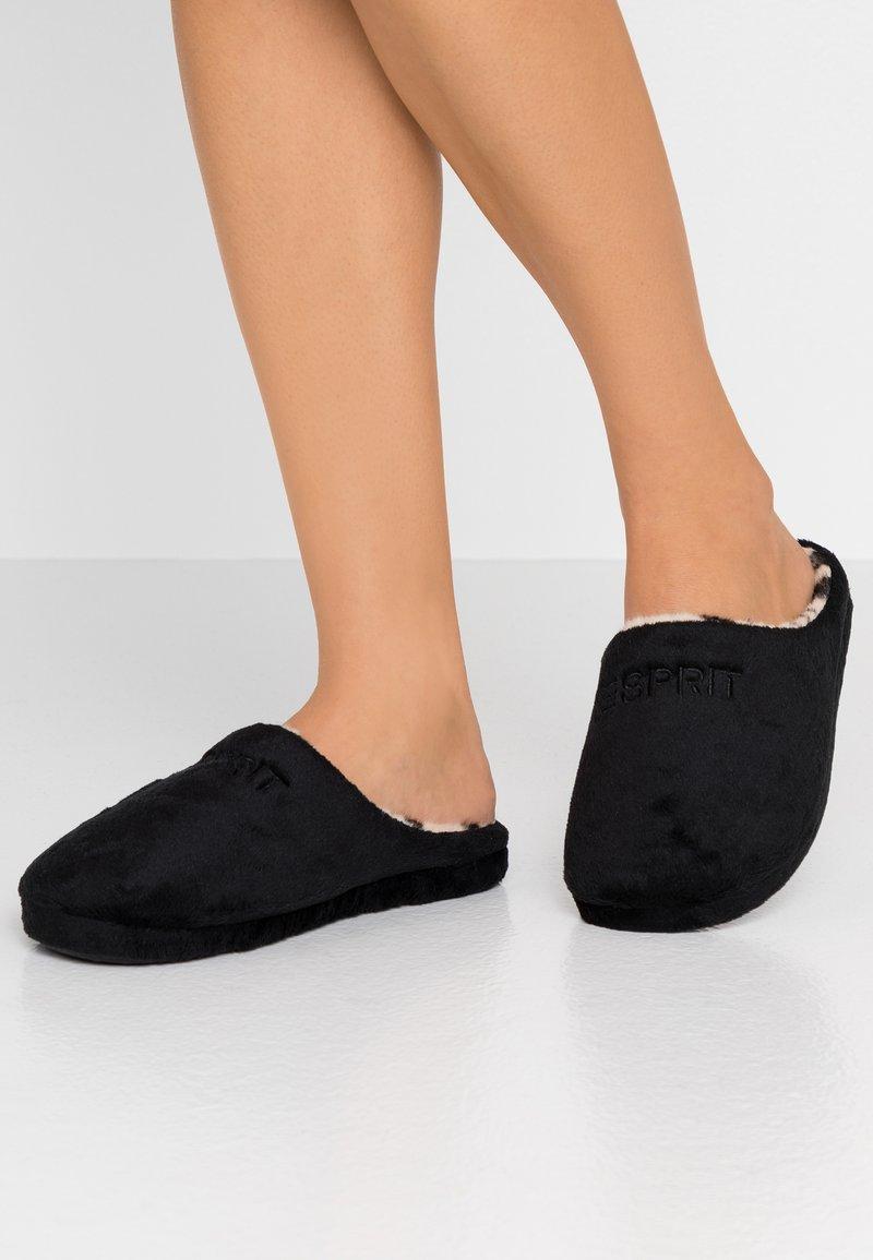 Esprit - STITCHY LEOMULE - Pantoffels - black