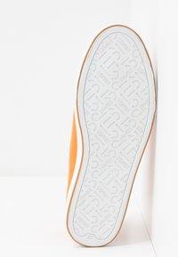 Esprit - SIMONA LACE UP - Zapatillas - rust orange - 6