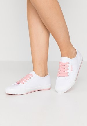 ITALIA LACE UP - Sneakersy niskie - pink